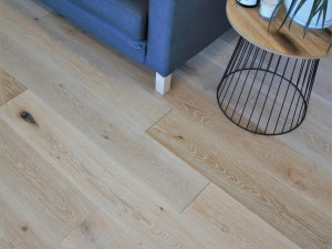 Elegant Oak Flooring
